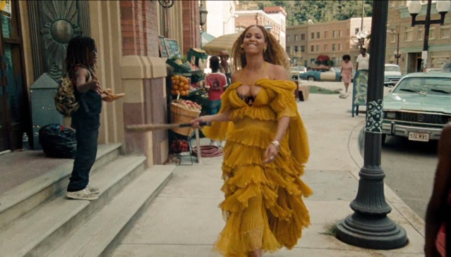 24-bey-yellowdress.nocrop.w840.h1330.2x